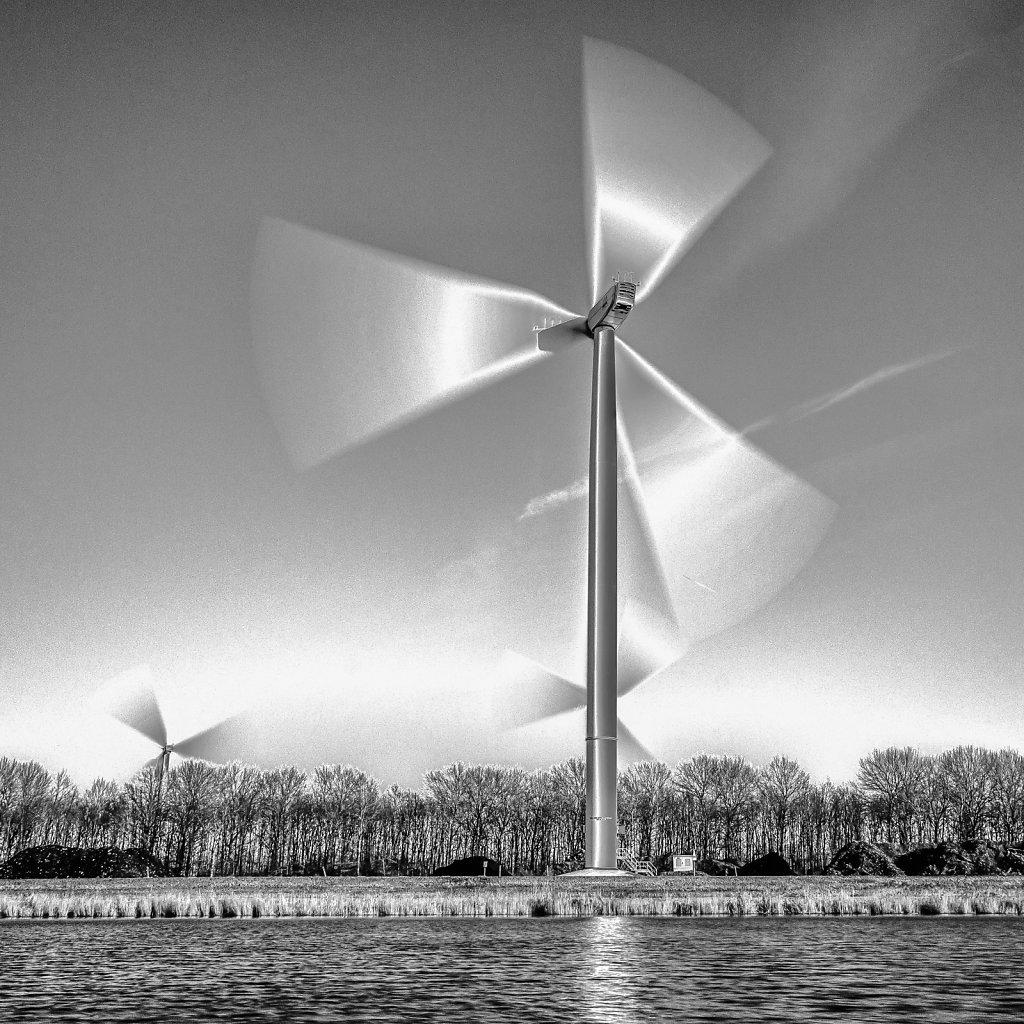 Boxer-Mohamed-Ali-sterk-raak-windmolens-viaduct-035-bewerkt.jpg